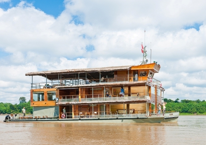 amazon river cruise vessel